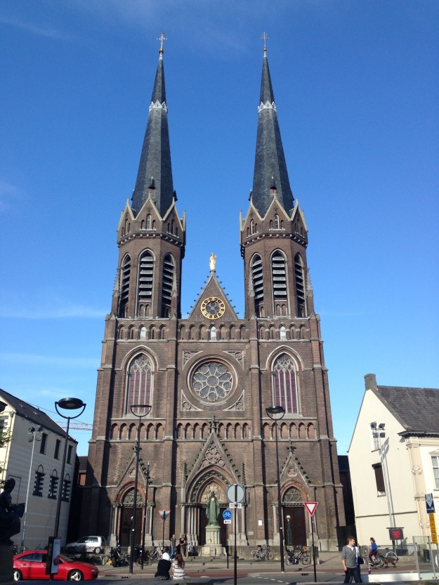 Beautiful church in the middle of Tilburg.