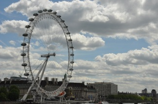 Oh lookie! The London Eye! We didn't ride it, simply because we didn't have the time or money. Next time!